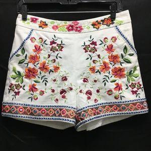 Boston Proper white denim embroidered shorts sz 4